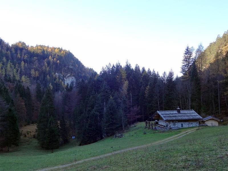Pflasterbachhörndl und Rabensteinhorn: Kugelbachalm: Richtig schön wird die Wanderung erst ab der Kugelbachalm.