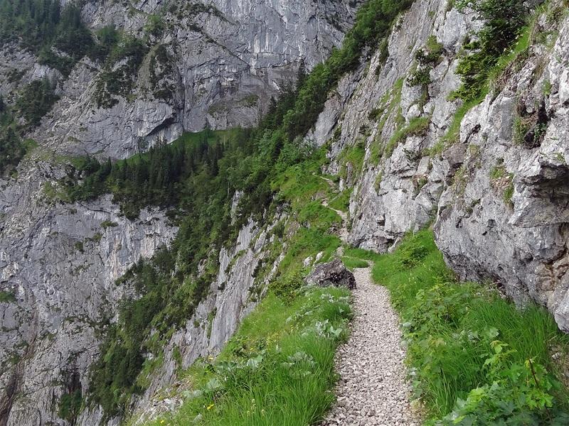 Osterfelderkopf vom Höllental: Stangensteig: Ein Mindestmaß an Schwindelfreiheit ist auf dem Stangensteig von Vorteil.