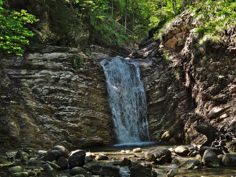 Rosengarten über Schleifmühlklamm: Schleifmühlklamm: In der Schleifmühlklamm bei Unterammergau gibt es ein paar nette Wasserfälle.