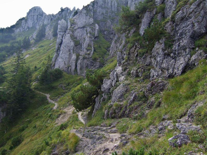 Teufelstättkopf über Sonnenberggrat: Sonnenberggrat: Die Wegführung zwischen den Felsen hindurch ist wirklich gut gelungen.