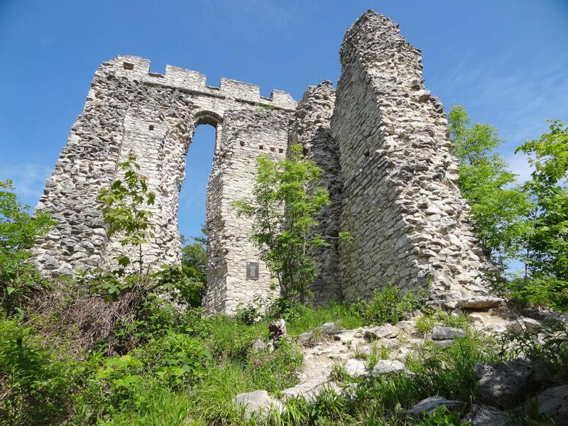 Barmsteine und Ruine Gutrat: Ruine Thürndl: Bei der Ruine Thürndl handelt es sich um Reste der ehemaligen Stadtbefestigung von Hallein.
