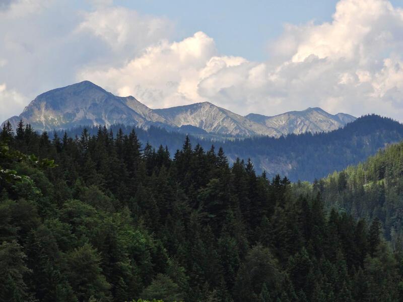Blaubergkamm zum Halserspitz: Blaubergkamm: Der komplette Blaubergkamm von Norden. Ganz links steht der Halserspitz.