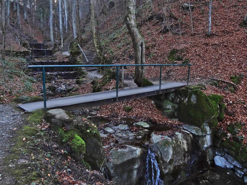 Hinteres Hörnle: Ludwigsschlucht: Ein netter Weg führt durch die Ludwigsschlucht bei Bad Kohlgrub.