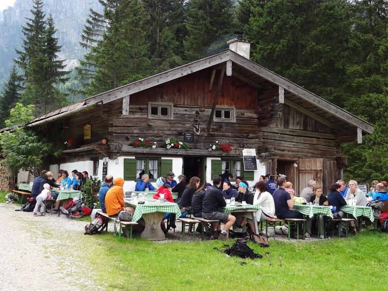 Hennenkopf und Probstenwand: Hintere Längentalalm: Die Hintere Längentalalm ist eine beliebte Einkehr.
