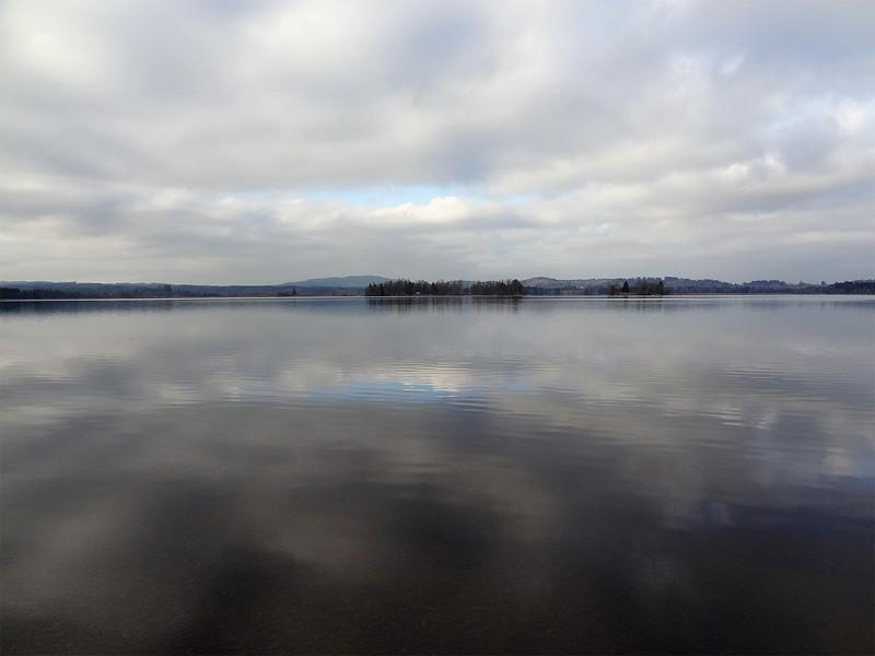 Murnauer Moos: Staffelsee: Im Staffelsee liegen mehrere kleine Inseln.