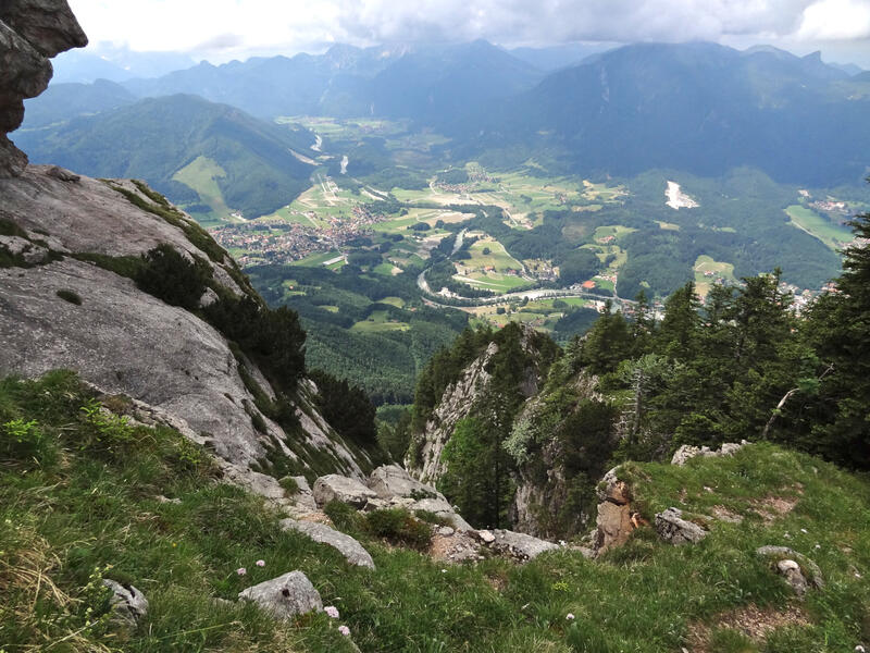 Hochlerch und Zwölferspitz: Achental: Unten schlängelt sich die Tiroler Achen durch das malerische Achental.