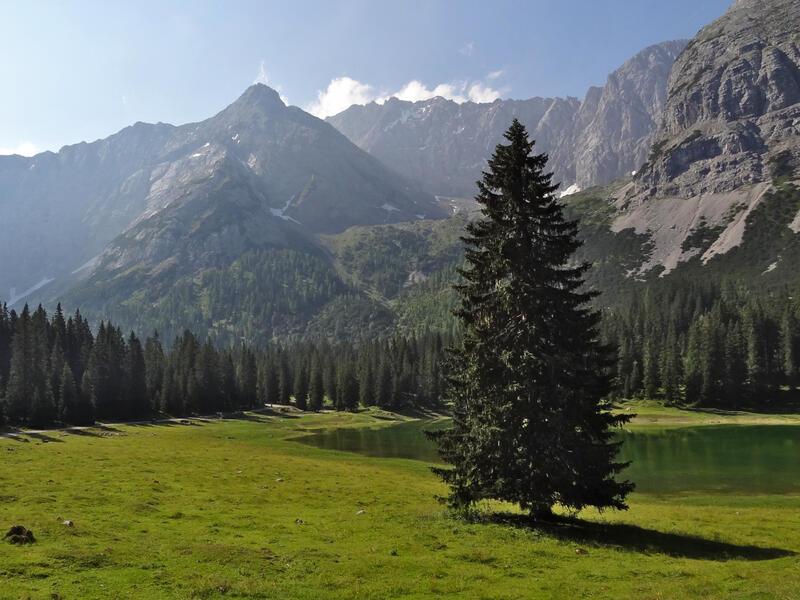 Breitenkopf: Breitenkopf: Am Igelsee sieht man bereits den Breitenkopf, der hier so tut, als wäre er der höchste Gipfel. Stimmt aber natürlich nicht.